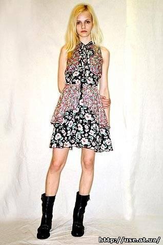 Вам модні сукні літо 2010 від anna sui